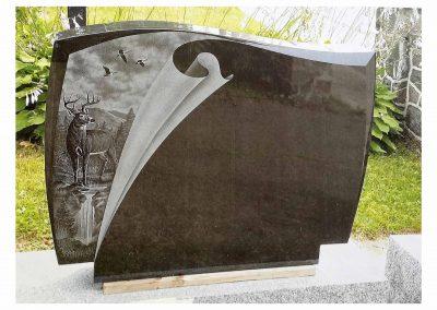 Monuments Bernard Longpré Inc. - Monument gravure chevreuil, chute, outardes