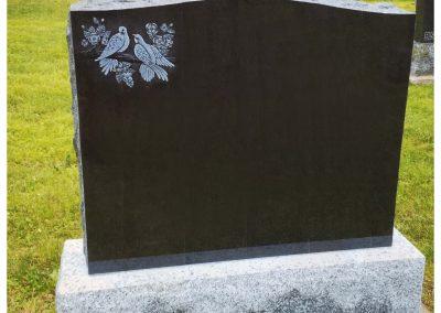Monuments Bernard Longpré Inc. - Monument gravure colombe