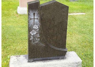 Monuments Bernard Longpré Inc. - Monument gravure croix et fleurs